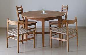 tablechair2